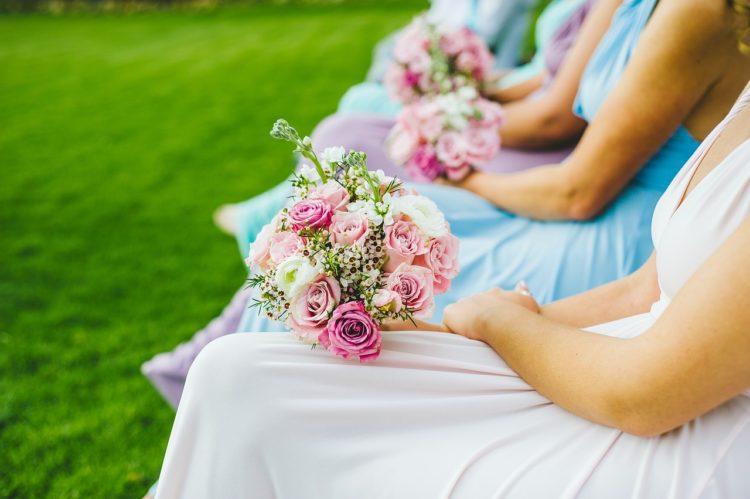 Différence entre témoin de mariage et demoiselle d'honneur