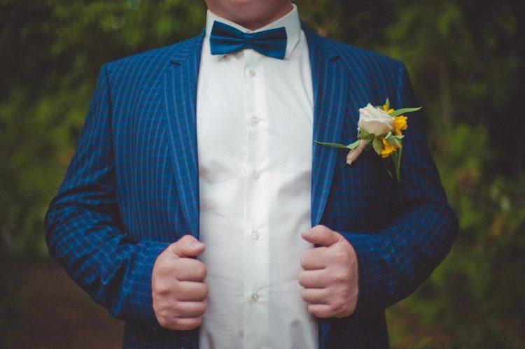 Atouts du costume de mariage de couleur bleue